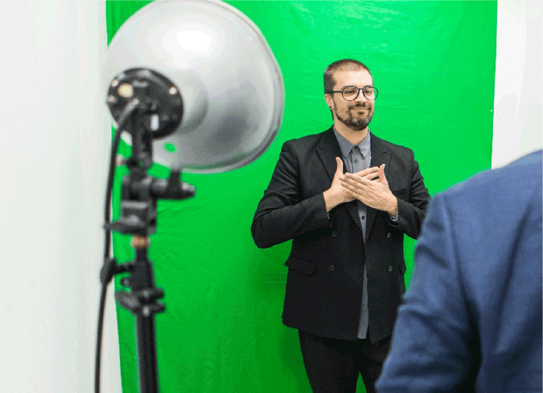 Découvrir la langue des signes française avec Deafi sur Instagram